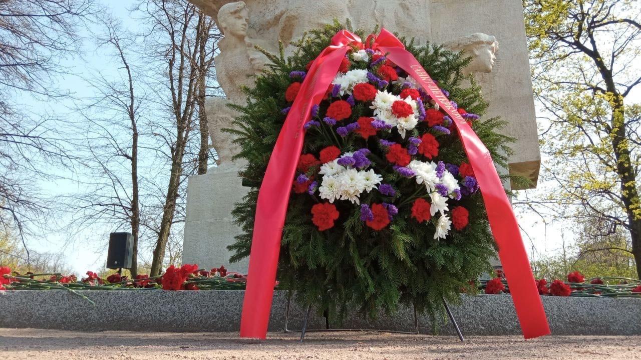 Воспитанники «Перспективы» почтили память героев Великой Отечественной войны